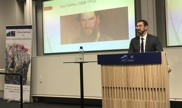 Sam Moyn (Yale) presenting on 'The Case Against Humane War' at ELAC's Human Rights and Resort to Force Workshop (14 November 2019)